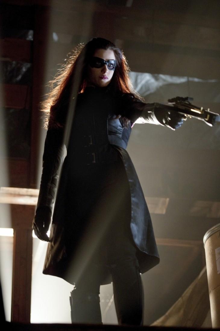 Jessica de Gouw es Huntress (La Cazadora)