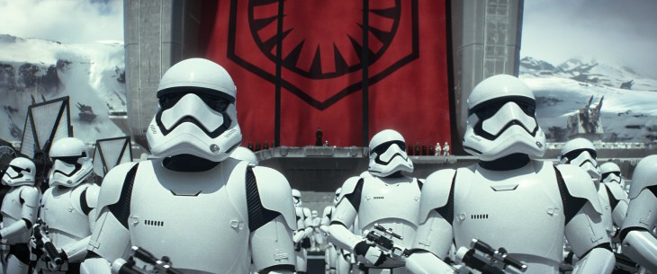 Aprende a construir el casco imperial de 'Star Wars: El despertar de la fuerza'