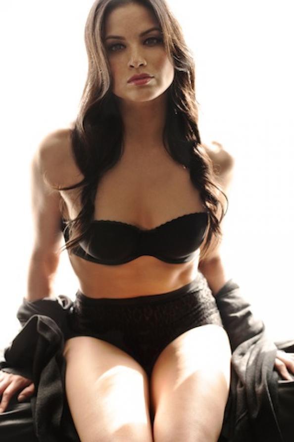 Katrina Law es Nyssa Al Ghul