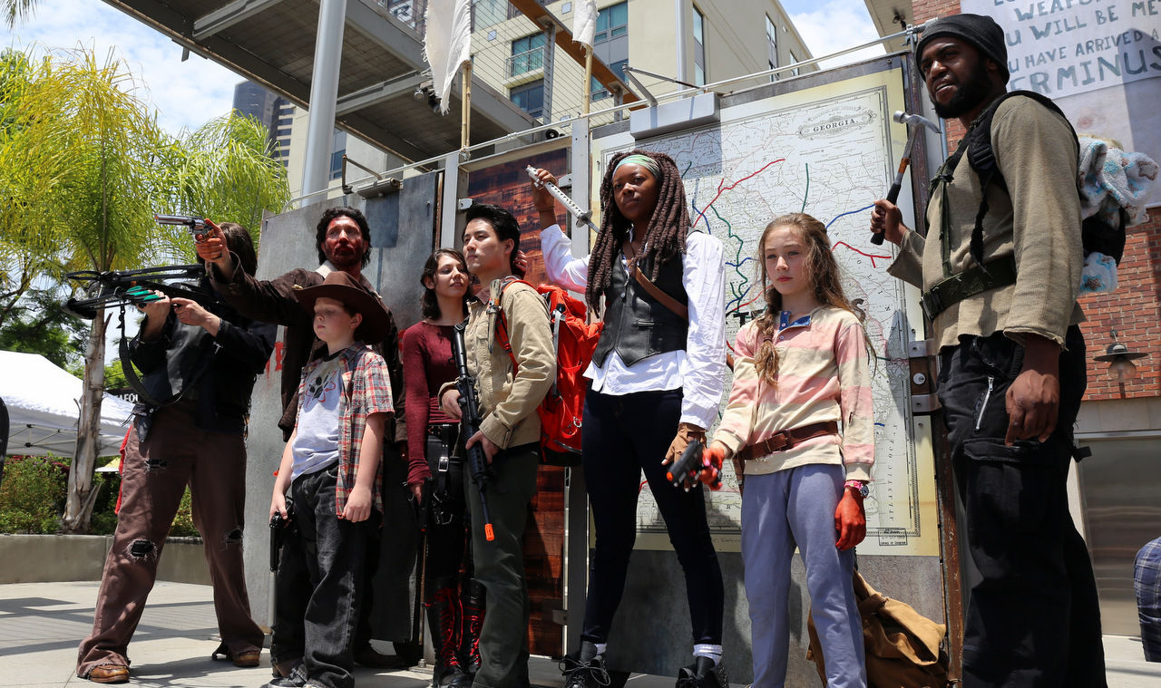 Comic-Con-2014-Cosplay-The-Walking-Dead