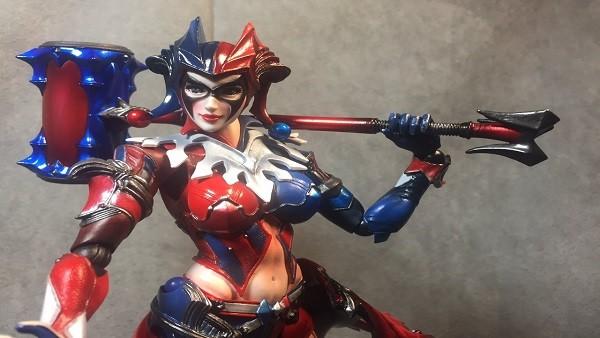 BRUTAL cosplay de Harley Quinn (versión Square Enix)
