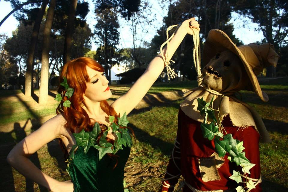 scarecrow_vs__poison_ivy_by_nekoclarish-d7ayoqn
